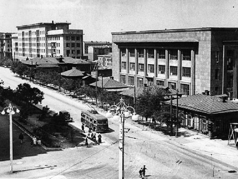 1940-е годы. Фотография из альбома группы «Челябинская старина»  (социальная сеть «Одноклассники»)