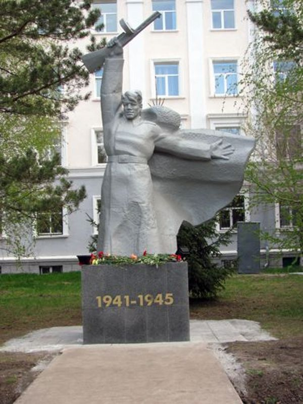 Май 2011 года. Источник: http://www.molpalat74.ru/index.php?option=com_content&view=article&id=335:2011-05-13-11-07-33&catid=30:2012-05-10-09-18-10&Itemid=44