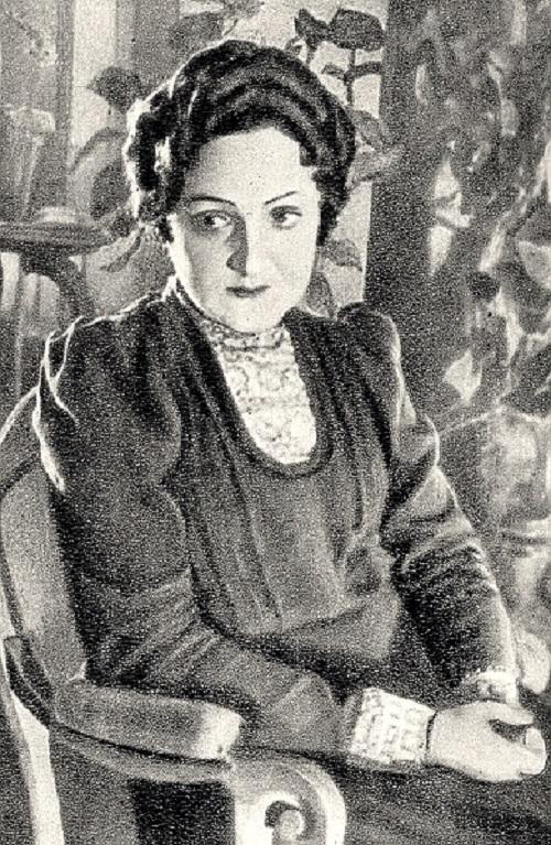 Изабелла Баратова в спектакле «Три сестры». 1944 год. Источник: https://www.kino-teatr.ru/teatr/acter/w/sov/335809/foto/