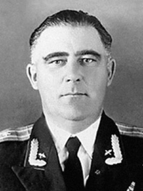 Полковник К.В. Иванов Источник: http://www.book-chel.ru/ind.php?id=329&what=card