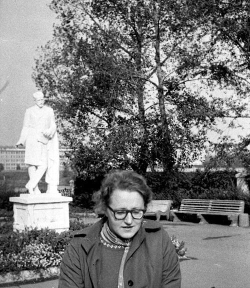 Памятник Чайковскому у ДК ЧЭМК. 1980 г. Фото: Ю. Латышев