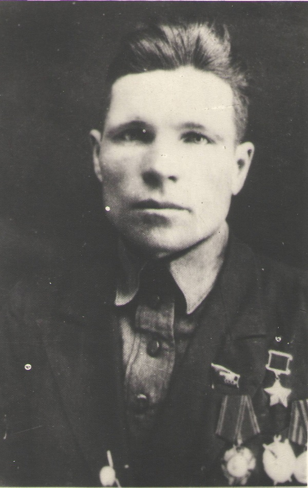 Кузьма Чекиров. Источник: http://patriotrm.clan.su/publ/chekirov_kuzma_emeljanovich/1-1-0-470