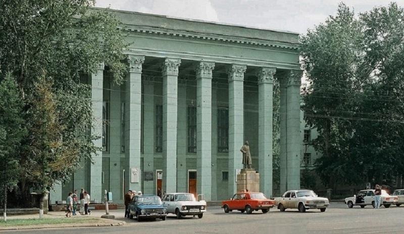 1980-е годы. Фото из альбома группы «Челябинская старина». (социальная сеть «Одноклассники»)