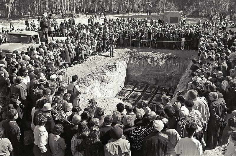 Сентябрь 1989 года. Перезахоронение на Золотой горе. Фотография из фонда Центра историко-культурного наследия Челябинска